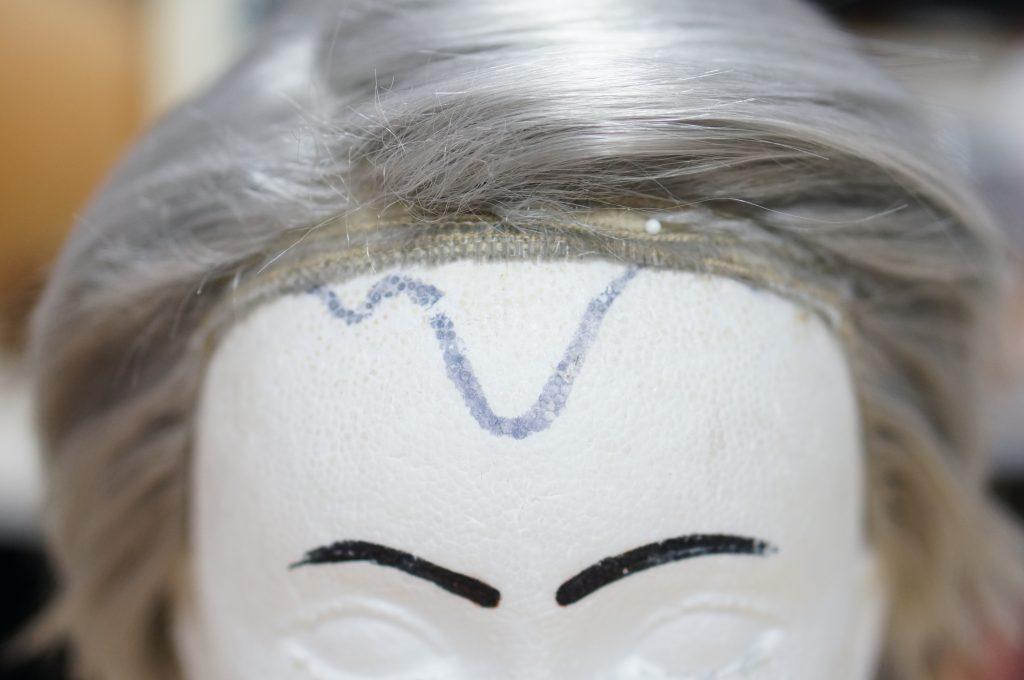 ウィッグの前髪を近くで見るとこんな感じになっています完全にカットして大丈夫です