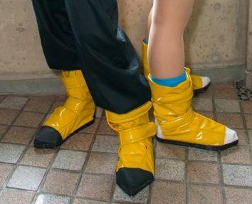 ドラゴンボールの特徴のある靴は島草履を土台に1から製作