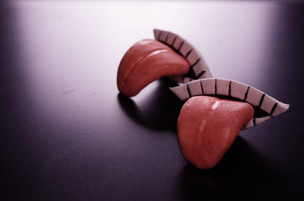 NARUTOの暁の芸術コンビのデイダラの手のひらの口