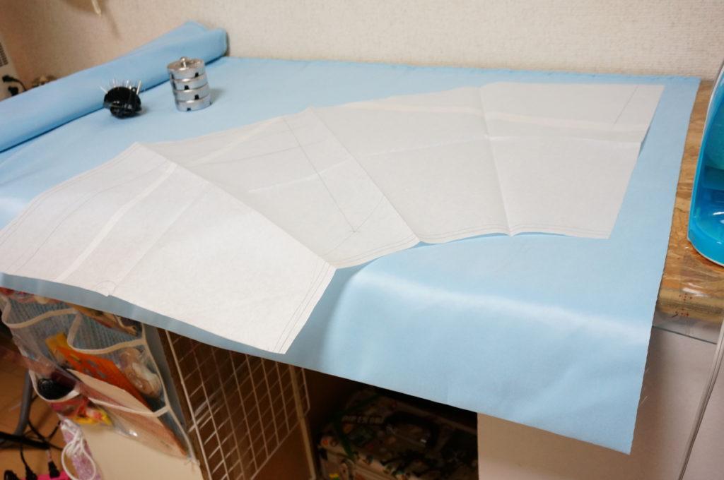 パティシエ製作のワンピースの全円スカート