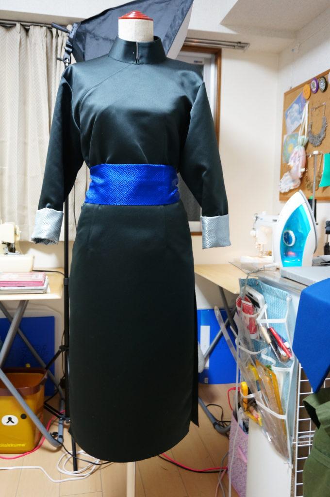 衿を付けたら神威の衣装完成です。型紙からイメージ通りに形が出せました